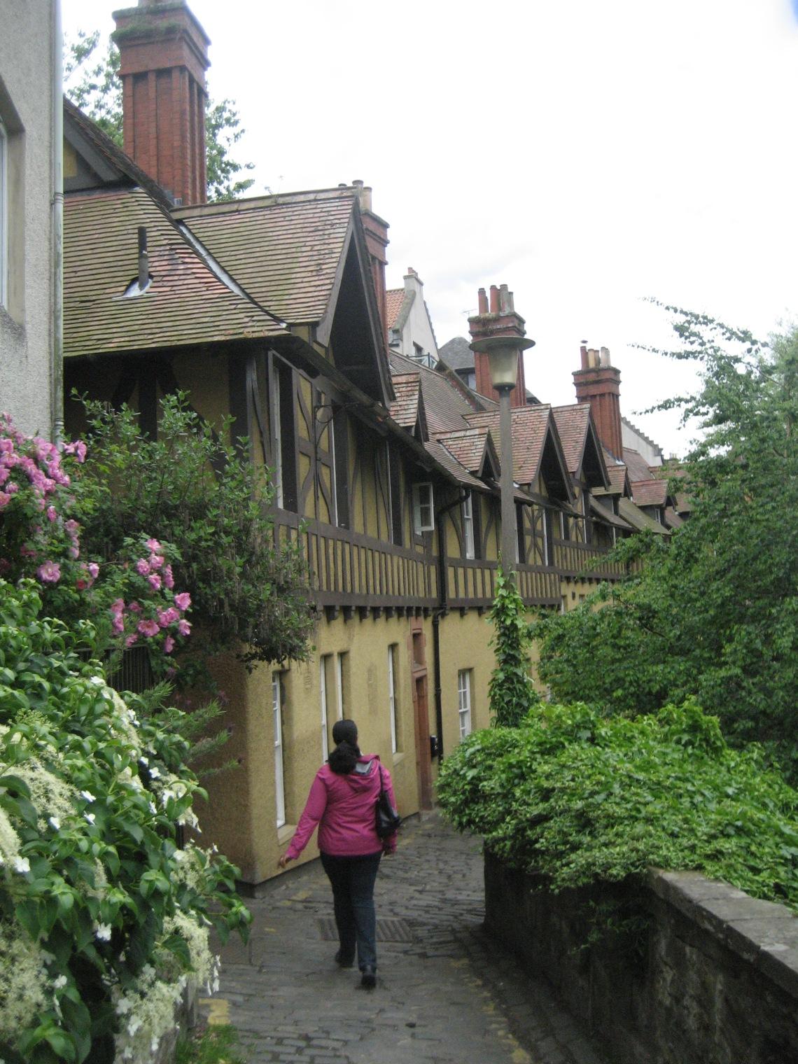 Ivia in Wonderland or Deen Village